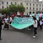 Lima - Plaza San Martin - Demonstratie van leraren