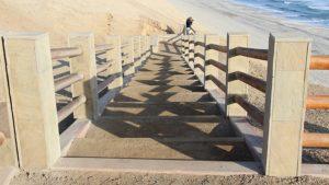 Nationaal Park Paracas - trap voor afdaling naar het strand