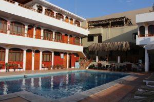 Huacachina - Hotel met zwembad