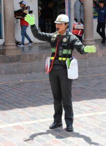 Cusco - Agente voor het regelen van het verkeer